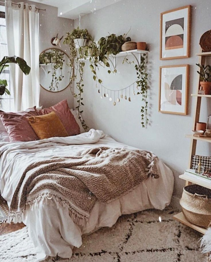 via Amanda Carew.tribe 💕 Cozy room vibes 😍🌿✨ . . Beautiful room by @j