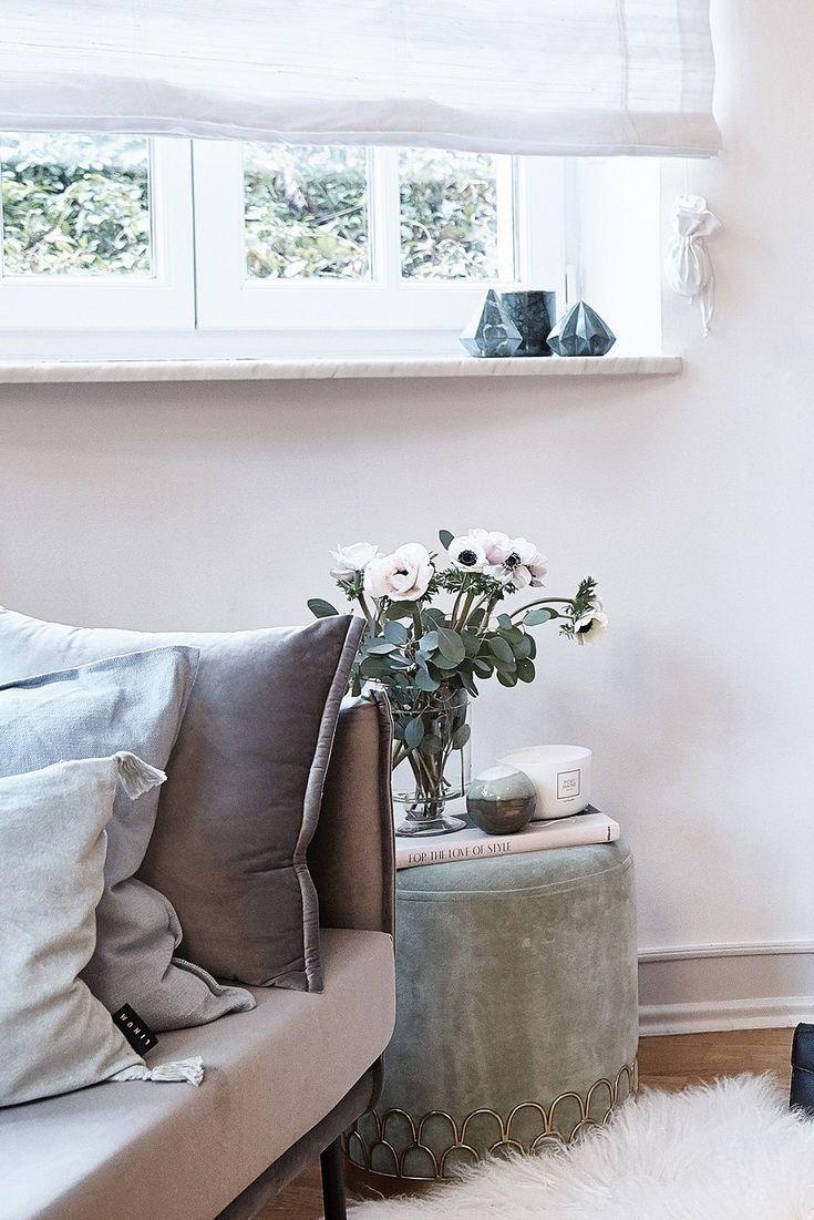 beautiful einfache dekoration und mobel das perfekte raumklima #1: Wunderschöne Kissen, ein glamouröser Samt-Pouf, tolle Deko-Accessoires