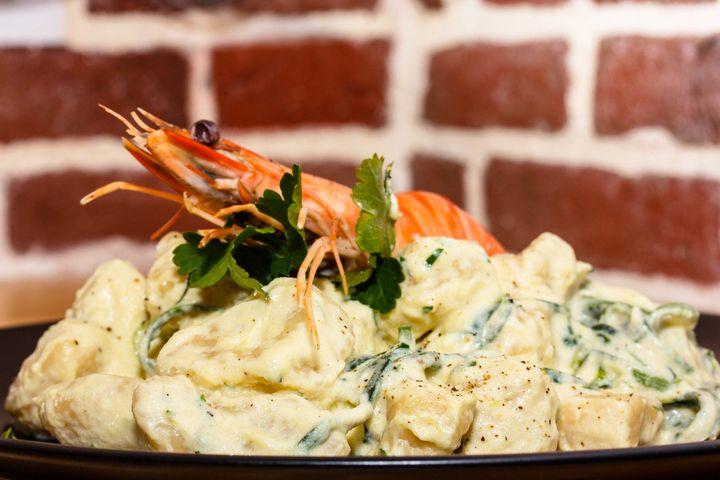Ньокки с соусом из креветок - пошаговый рецепт с фото: Из самой обычной картошки можно приготовить чудесное итальянское блюдо ньокки. Они вкусны даже в самом простейшем... - Леди Mail.Ru