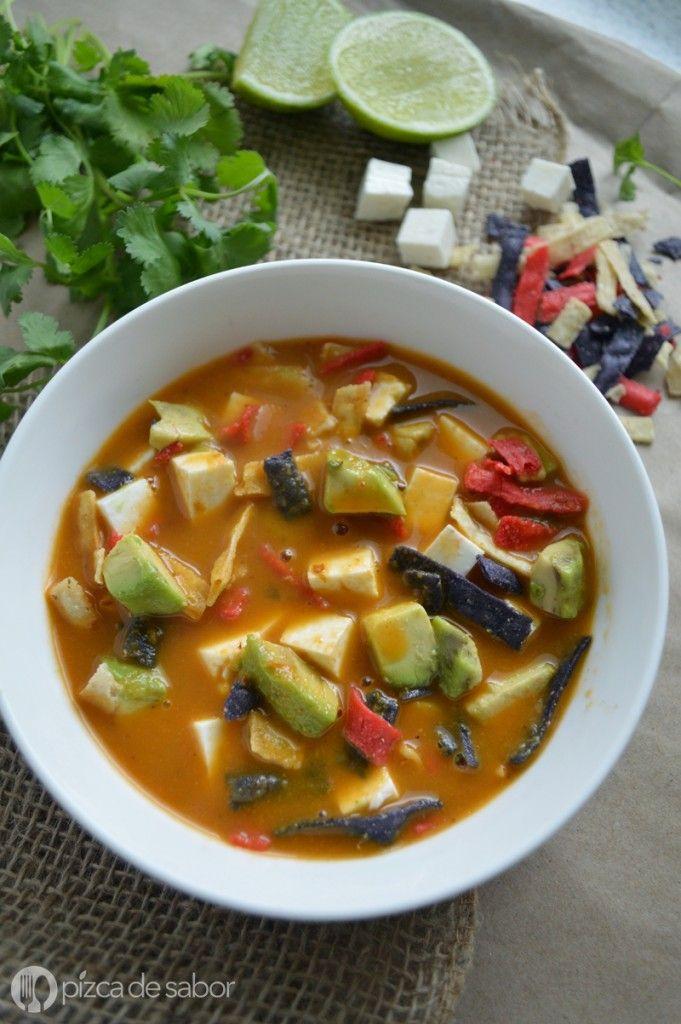 Cómo hacer sopa de tortilla | http://www.pizcadesabor.com/2015/09/14/como-hacer-sopa-de-tortilla/