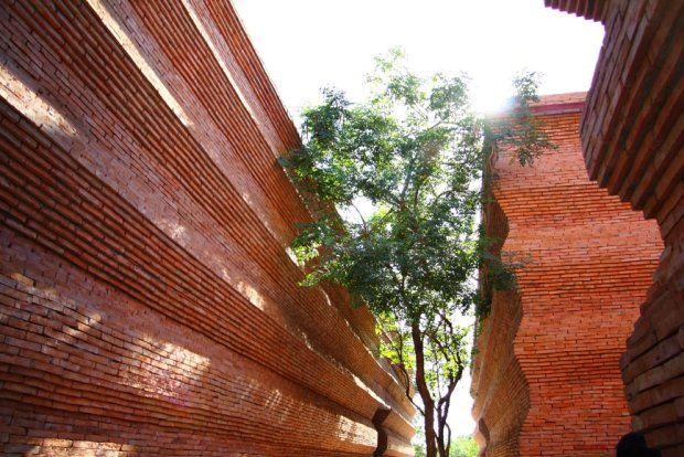 Tysiące falujących cegieł i dom z koronką. Nagrody Brick Award 2014 rozdane! [WYNIKI] - zdjęcie