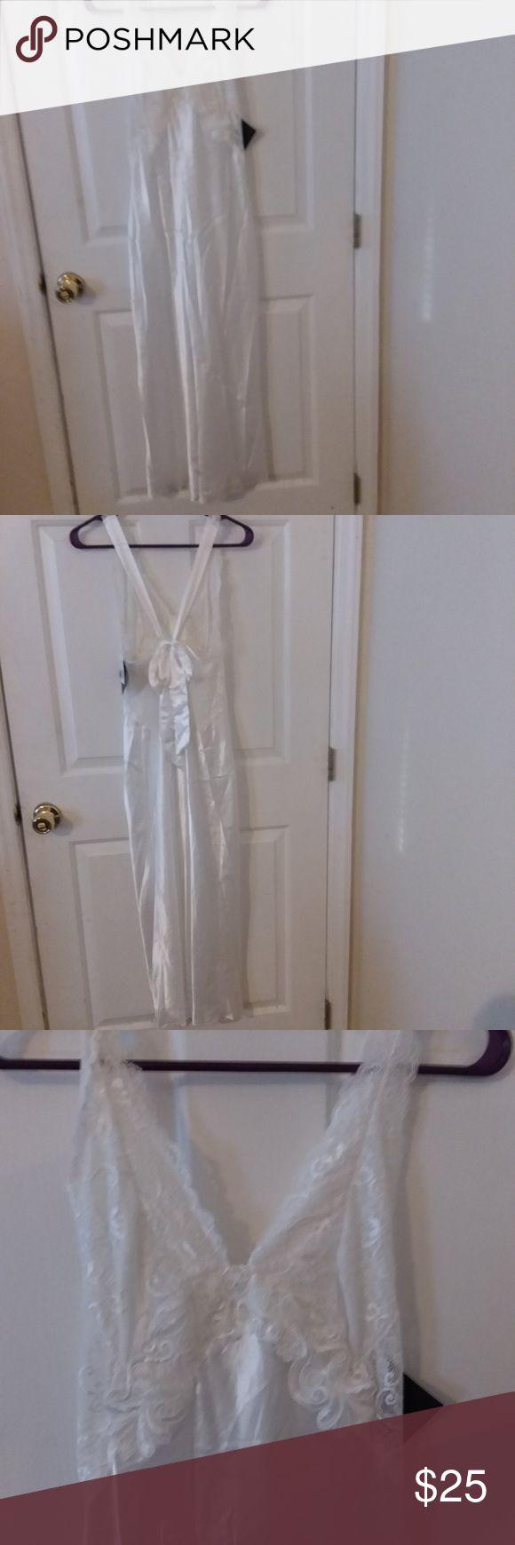 Cinema Etoile white nightgown NWT sz L NWT, white with lace and absolutely gorgeous long nightgown Cinema Etoile Intimates & Sleepwear