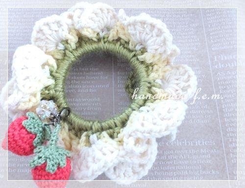 春いちごシュシュ・本体の作り方 編み物 編み物・手芸・ソーイング アトリエ