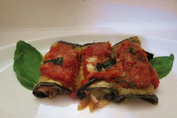 Rᴏʟʟᴇ́ ᴅɪ Mᴇʟᴀɴᴢᴀɴᴇ   ..per visualizzare la RICETTA➨➨➨ http://www.womansword.it/donne-in-cucina/ricette-di-secondi-piatti/rolle-melanzane/