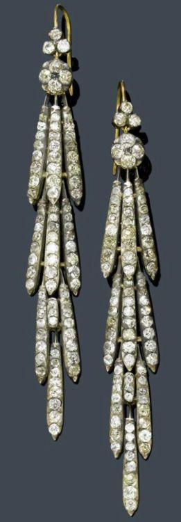 Antieke diamanten oorbellen uit 1900.