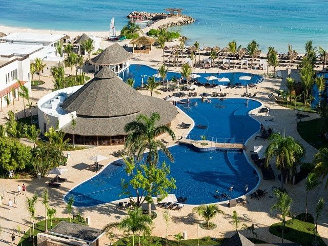 Jamaica Vacations - Royalton White Sands - All-Inclusive - Experience the All-In Luxury concept pioneered by Royalton Resorts. A modern, active resort with something for everyone!