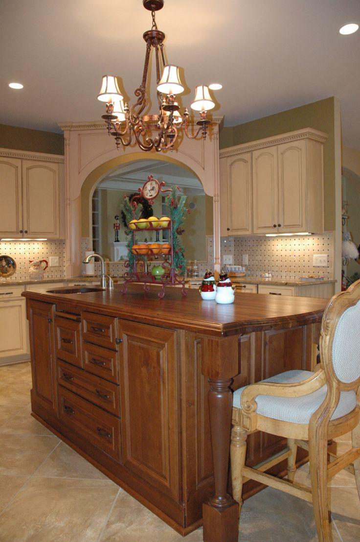 Butternut glazed kitchen with wood island kemper for Butternut kitchen cabinets