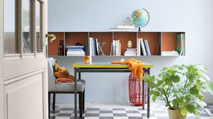 Hou je van dagdromen? Geef je kamer een dromerige stemming met een lichtblauwe kleur op de muur, zoals bijvoorbeeld Frosted Sky.