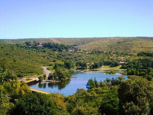 Dique La Falda, Valle de Punilla. http://rentalugar.com/blog/guia-del-valle-de-punilla-los-mejores-destinos/