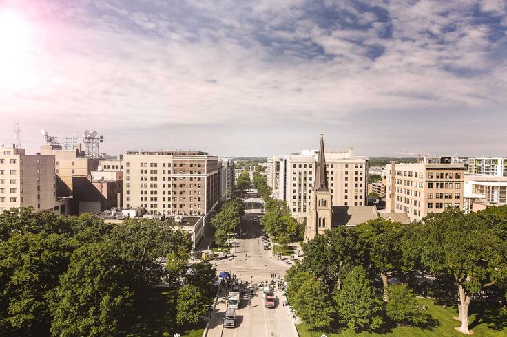 Qué es la permacultura y cómo afecta al urbanismos, vida y diseño de ciudades. Ejemplos, principios y filosofía para abordar el desarrollo sostenible