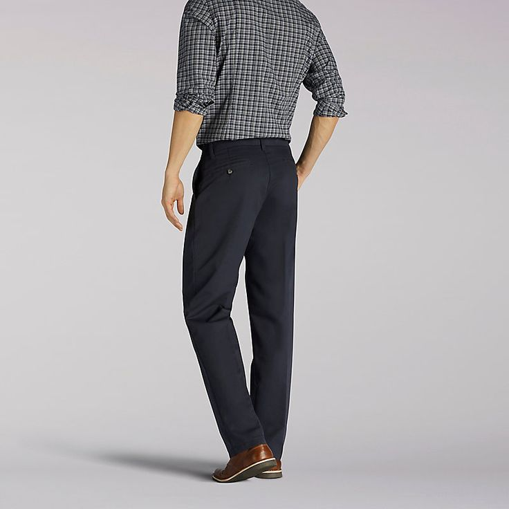 Lee Men's Total Freedom Relaxed Fit Tapered Leg Pants (Size 33 x 30)