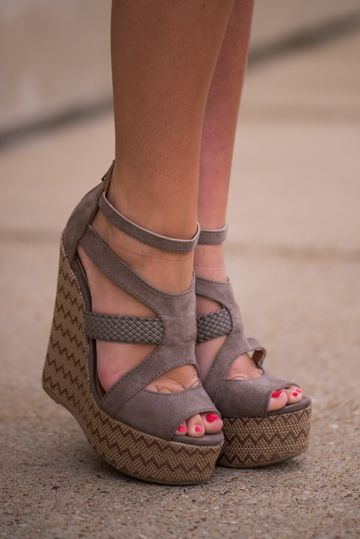 #SHOES to Die For Click on here www.shortsaleolog...
