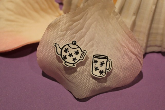 Cup a Tea Earrings £3.00