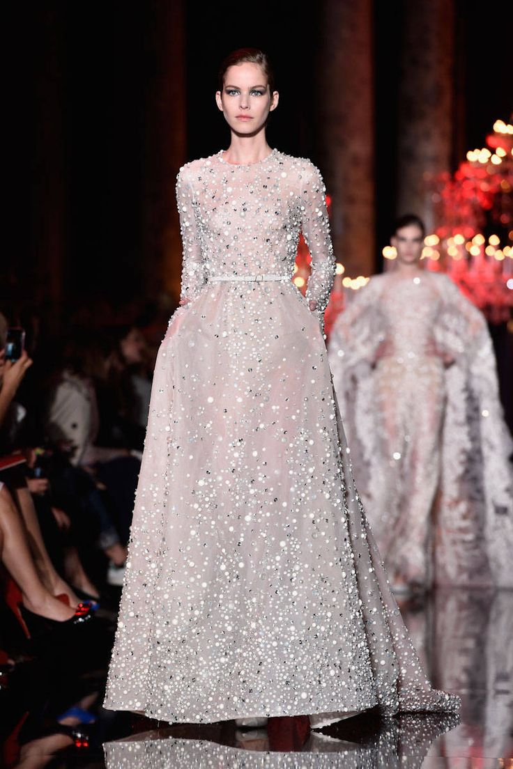 OMG I want to walk down the isle in this! The Best Looks from the Couture Fall Winter 2015 Runway - Elle