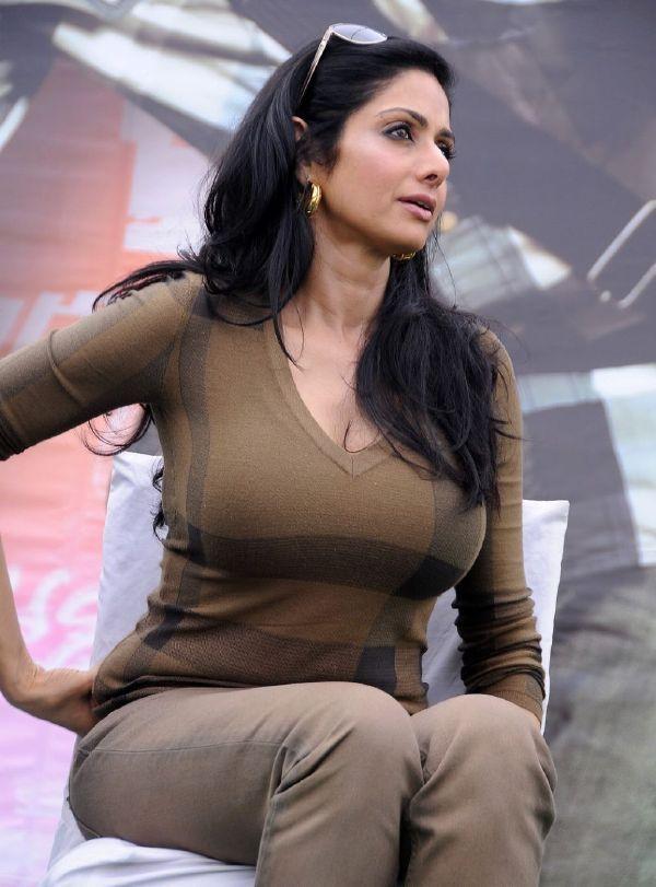 Bollywood Tits 32