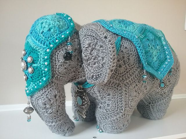 Ravelry: Cuddle and Play Elephant Baby Blanket pattern by Aneta ... | 480x640