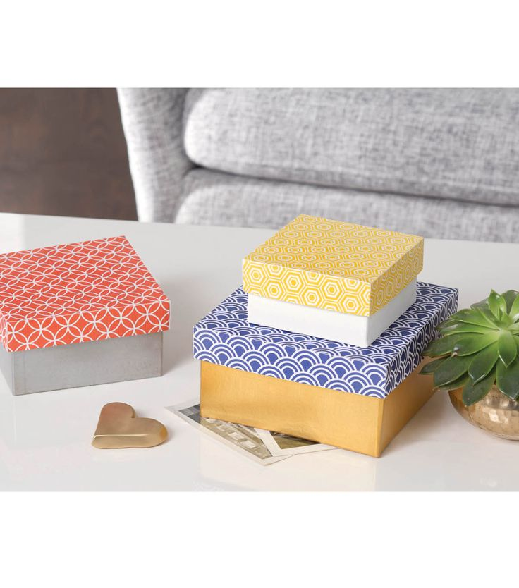 Paper mache box trio easy diy projects pinterest for Simple paper mache projects