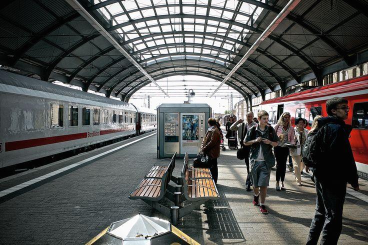 Trip to Leipzig, Train Station