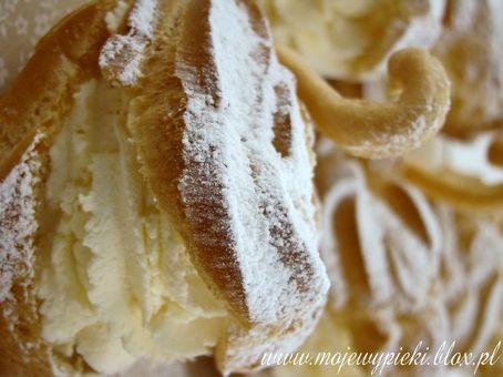 Łabędzie z ciasta parzonego