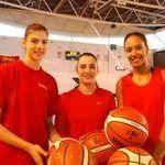 L' @usombasket place trois de ses joueuses en équipe de France A et A' #FBsport @FRABasketball  https://www.francebleu.fr/sports/basket-handball-volley/ecoutez-normandie-sports-trois-basketteuses-mondevillaises-chez-les-bleues-1478778489pic.twitter.com/pqOa75ffUO