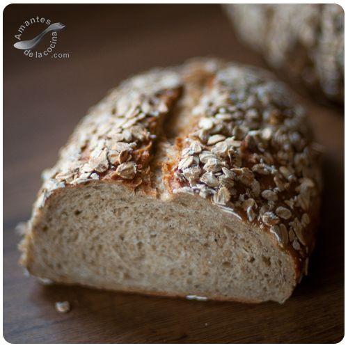 Este pan de avena integral que horneamos hoy es un pan muy nutritivo y que viene lleno de energía, lo que lo hace ser el alimento perfecto para cuando haces fitness.