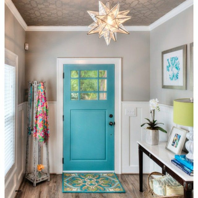 Took all my boys () for a walk today and noticed some pretty painted doors. Nothing says spring like a bright & cheery front door! Found this one on @houzz and I'm feeling rather inspired  That's #widn @irisnacole
