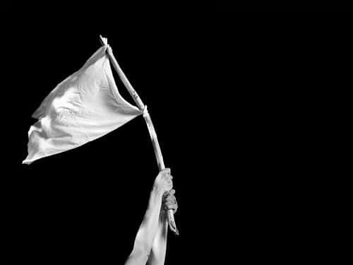 Carlos Blanco / Dos rendiciones, la de Chávez y la de Oscar Pérez / Escribo bajo el impacto de las ejecuciones que ordenó Maduro en contra del comisario Oscar Pérez y sus compañeros. Recuerdo cómo se rindió Chávez el 4 de febrero. Las Fuerzas Armadas leales derrotaron el intento de toma de Miraflores y desde el Museo Militar en La Planicie el jefe del