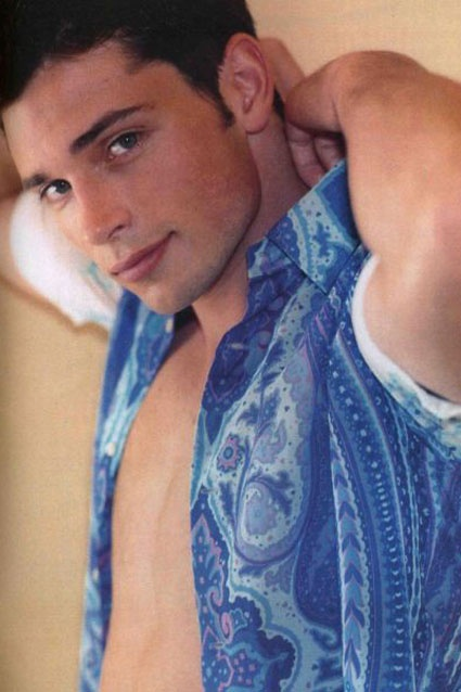 Tom Welling, wow you're very very hot<3<3 you're amazing<3