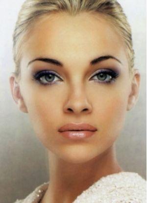 Deciding on Hiring a Wedding Makeup Artist | Bride Sparkle