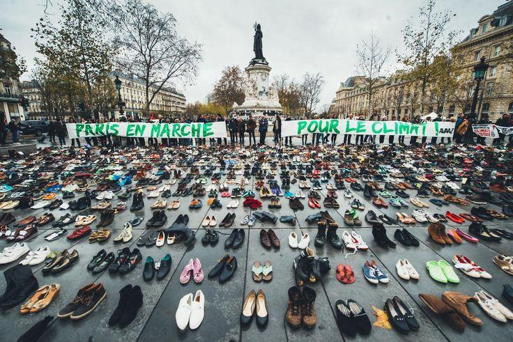 Sous le slogan 'Nos chaussures marcheront pour nous !', les participants ont déposé plus de 13 000 paires de souliers.