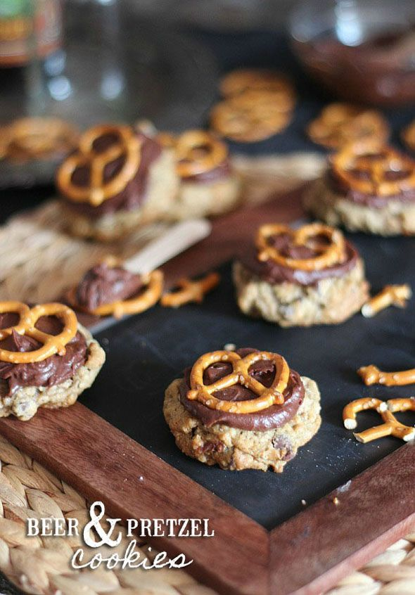 15 Best Christmas Cookie Recipes #christmas #holiday #cookie #recipes #beerandpretzelcookies