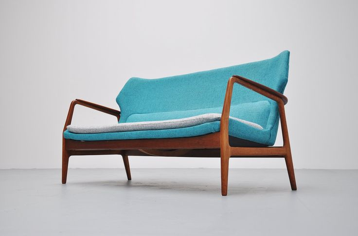 Designer: Unknown Type: Wingback sofa Manufacturer: Bovenkamp Year: 1960 Country: Holland Materials: Oak and teak wood, fabric Height: 84/42 cm Width: 165 cm Depth: 65 cm