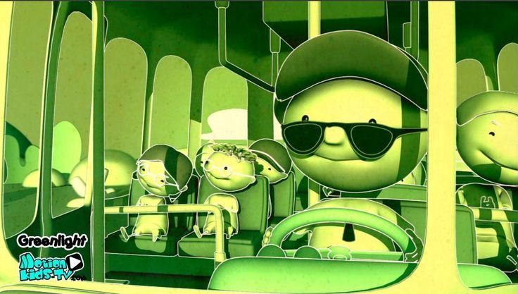 Conductor de autobus escolar. Imagenes seguridad vial infantil, educacion vial niños. Serie dibujos GreenLight