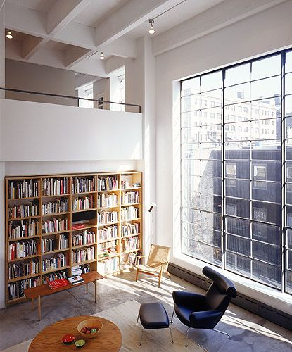 Industrial loft: Big Window, Home Libraries, The Loft, Books Shelves, Design Interiors, Interiors Design, Modern Loft, High Ceilings, Reading Rooms