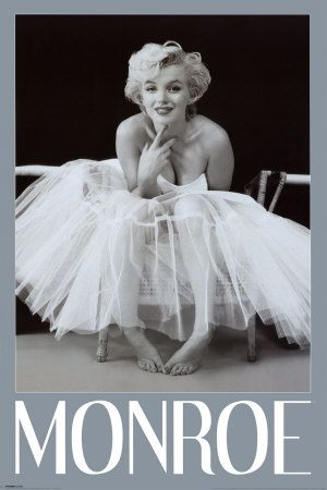 Marilyn Monroe: Senior Pictures, Marilyn Monroe, Posters Prints, 24X36 Posters, Ballerinas Green, Green 24X36,  Crinolin, Monroe Ballerinas, Green Posters
