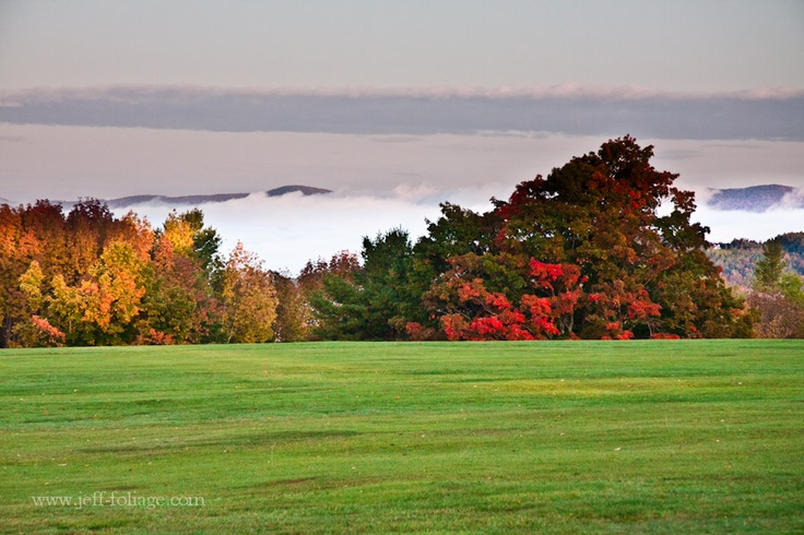gorgeous view from the grounds of Sunset Hill House tucked away in the White Mountains of New Hampshire #bedandbreakfast #newengland #newhamshire #whitemountains