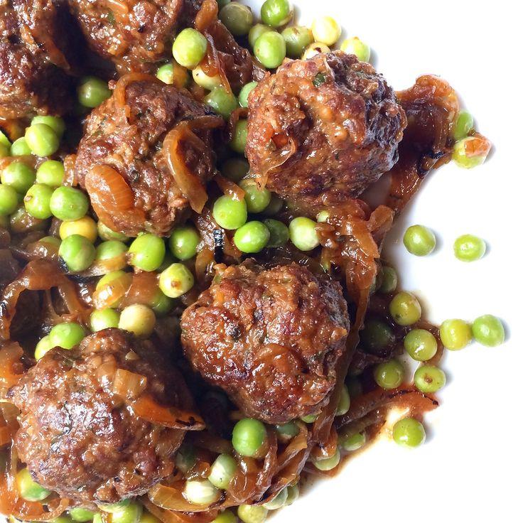Albóndigas de Carne al Romero! Una receta muy fácil de hacer y práctica. Acompañadas con arvejas /guisantes, que en general es un producto que siempre te Carne Picada, Albondigas, Steak, Chicken, Yummy Yummy, Food, Snap Peas, One Pot Dinners, Legumes