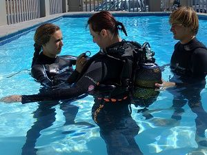 Volunteer with Via Volunteers in South Africa and do Scuba Diving Course while you're in Cape Town!