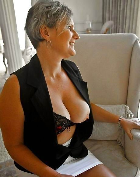 meet hot older women