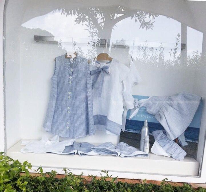 Summer #miniludo in Capri. #italy ☀️#summer2017 #shopping #babyshop #kids #kidstyle #holidayinitaly #bestplace #luxurylife #fashion #natural #madeinitaly  #littlegirls #summertime