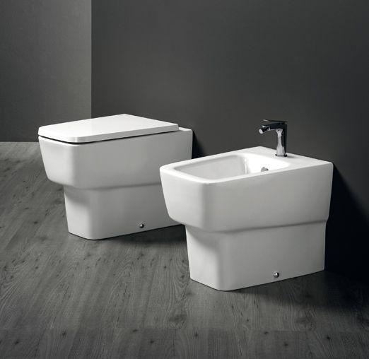 @ceramicasimas propone linee alternative, geometrie particolari ed innovative per regalare al tuo #bagno prestigio ed atmosfere contemporanee. www.gasparinionline.it  #design #interiors #home #sanitari
