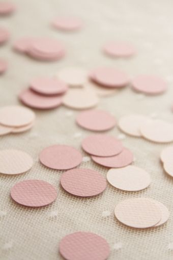 confettis vieux rose http://atmospheremariages.fr/899-3096-thickbox/confettis-lovely-vieux-rose.jpg