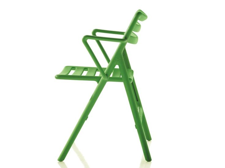FOLDING AIR-CHAIR Chair with armrests Air Collection by Magis design Jasper Morrison