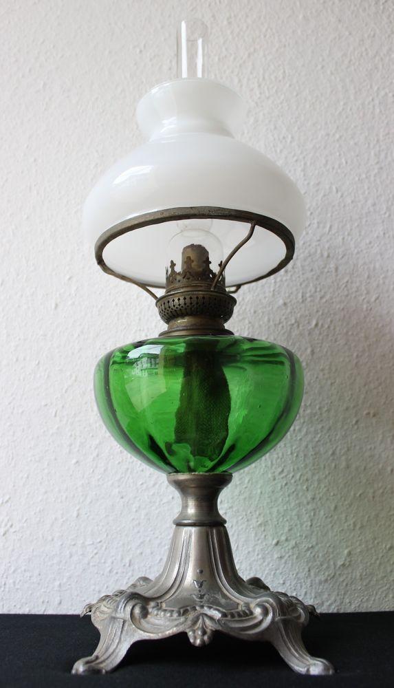 Schone Alte Petroleumlampe Um 1900 Verzierter Fuss Grunes Bassin Glasschirm Petroleumlampe Petroleum Lampe Lampe