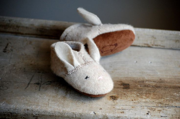 Wooly Baby Thumpers, Baby Shoes for Easter, size 6-18 months, Oatmeal