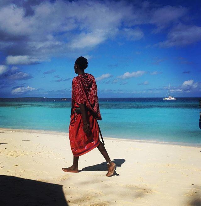 The nomadic tribe of The Maasai live in both Kenya and Zanzibar. I really like this shot because of the difference in vivid colours! #tanzania #kenya #africa #zanzibar #Maasai #globetrotter #wanderlust #beachlife #thisisafrica