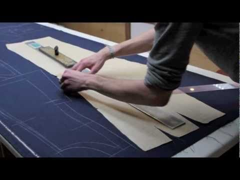 Cutting a bespoke suit part1/ Coupe d'un costume sur mesure 1ere partie