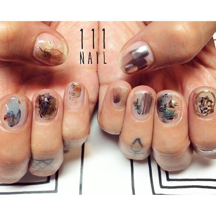 ダークな中にある透明感▫️◽️◼️▪️ #nail#art#nailart#ネイル#ネイルアート#brown#dark#クリアネイル#ワイヤーネイル#nuance#ennui#cool#ショートネイル#nailsalon#ネイルサロン#表参道