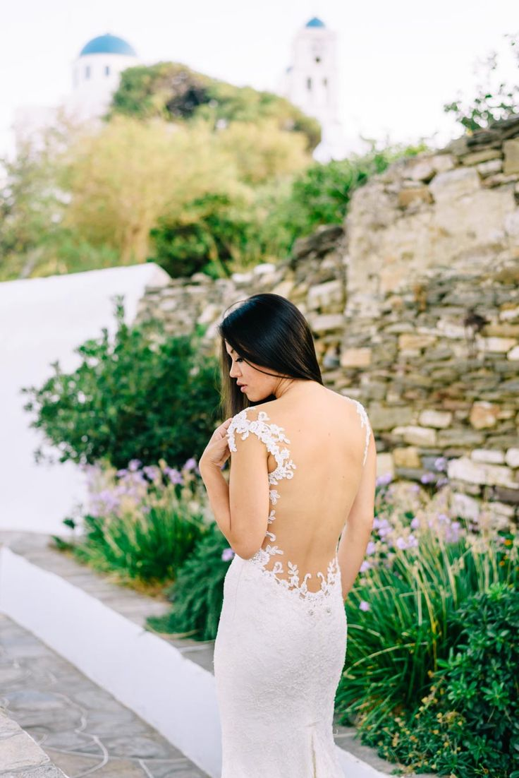Gorgeous bride in Sifnos