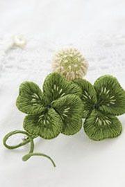 PieniSieni(ピエニシエニ)の小さな世界。ビーズ・フェルト刺繍で刺繍作家Embroidery artistを目指して花や昆虫を作っています。